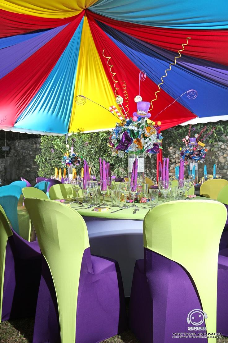 Decoraci n de sillas en spandex 15 a os willy wonka for Cubre sillas para 15 anos