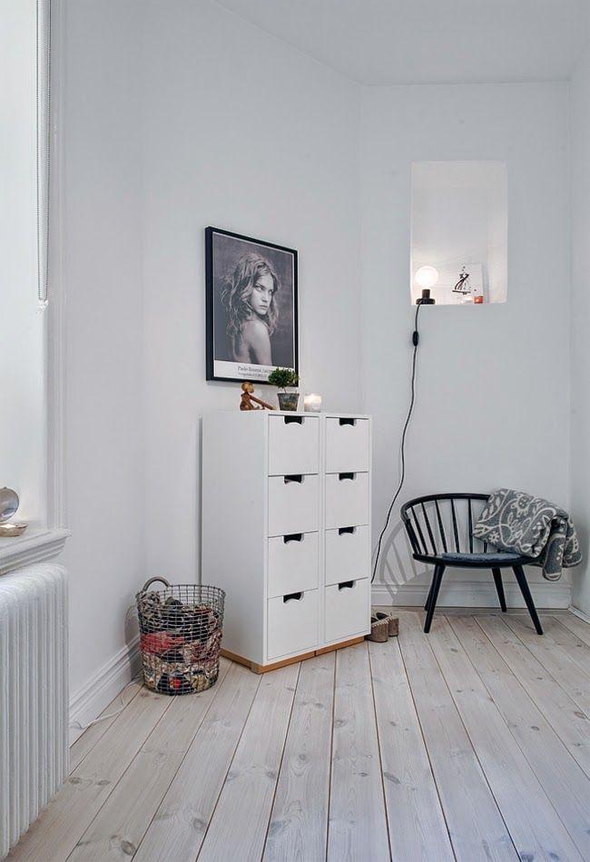 Fantastiskt vackra bilder från Carl Hansen. Hans J.Wegners Y-stol, CH24 i ny kombination av ek och valnöt. Beautiful pictures from Carl Hansen. The Wishbone chair in a new...