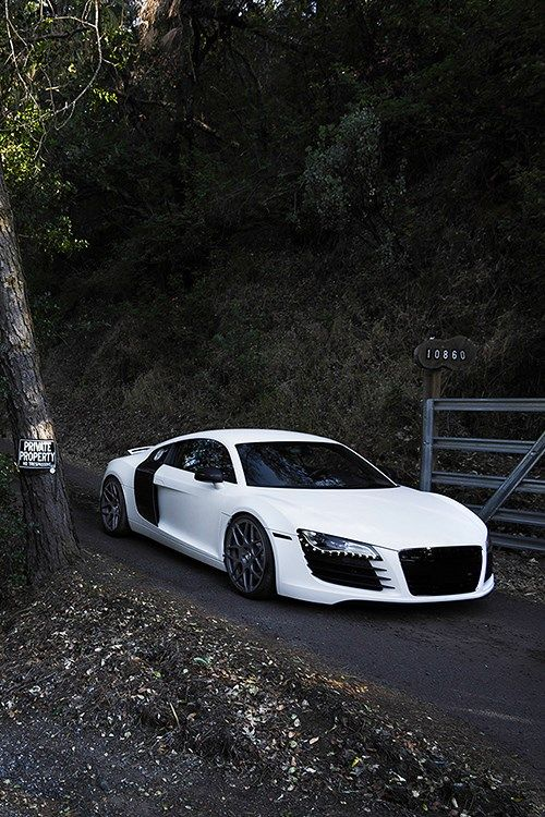 1000 images about facebook we love cars fan page on pinterest audi r8 bmw m3 and hot girls. Black Bedroom Furniture Sets. Home Design Ideas