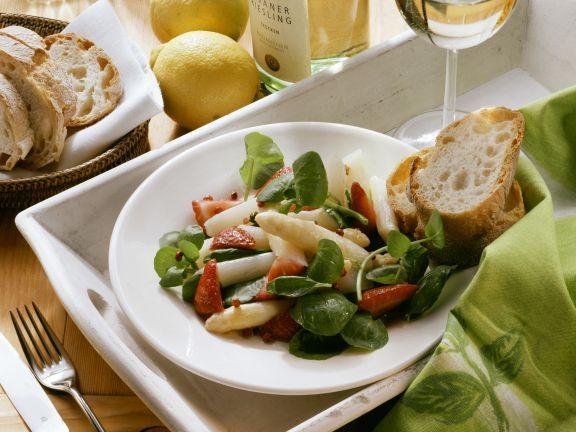 Spargelsalat mit Erdbeeren und Kresse ist ein Rezept mit frischen Zutaten aus der Kategorie Salat. Probieren Sie dieses und weitere Rezepte von EAT SMARTER!