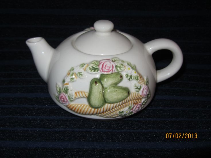 Vintage Ceramic Teapot $11.50 from our Ebay Shop or receive 10% discount if purchased from our Website www.generationsapart.com.au