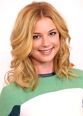 But being blonde does ROCK!! Emily VanCamp - (Emily Thorne a.k.a Amanda Clarke in Revenge)