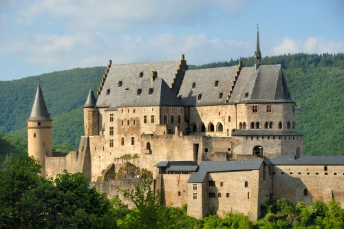 Vianden Castle, Vianden, Luxembourg. I've actually been here!!! So beautiful. Wish I could go back with my BFF rachel