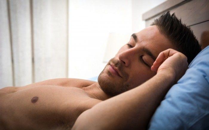 Γυμνός ύπνος: Δείτε πόσο αυξάνει την ανδρική γονιμότητα - http://www.daily-news.gr/health/gimnos-ipnos-dite-poso-afxani-tin-andriki-gonimotita/