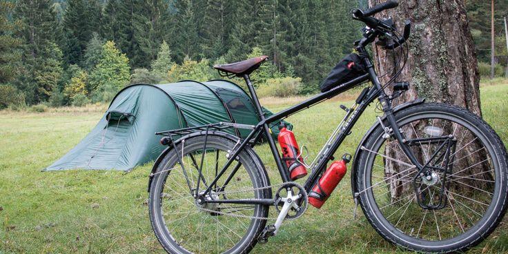 Noche sí, noche no; dormimos en nuestra tienda de campaña en mitad de algún campo, bosque, playa, monte, parque o jardín. La acampada libre es tan simple c