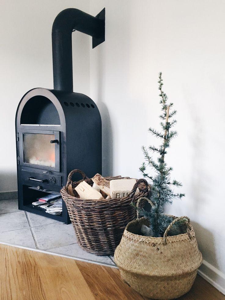 5 ideer til at gøre dit hus/lejlighed til dit hjem - brændeovnen giver en hyggelig stemning i stuen