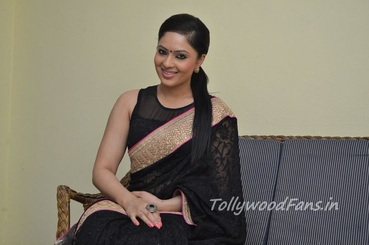 Actress Nikesha Patel Photos in saree