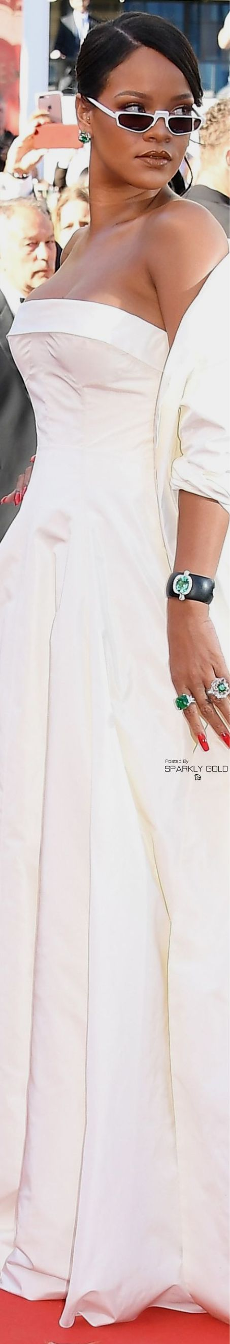 Rihanna/Cannes Film Festival 2017 (Dior)
