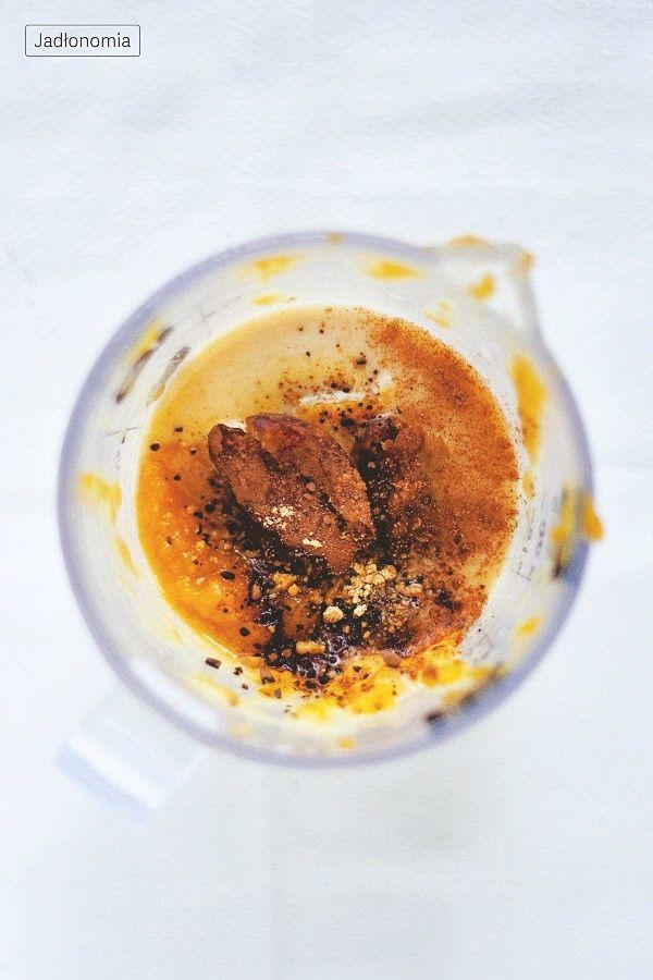 Dyniowy koktajl z karobem » Jadłonomia · wegańskie przepisy nie tylko dla wegan