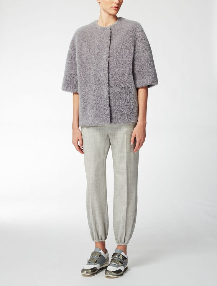 Max Mara KISS light grey: Cashmere teddy bear overcoat.