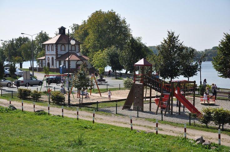 Plac zabaw zrealizowany w Ełku- ul. Pułaskiego przy promenadzie