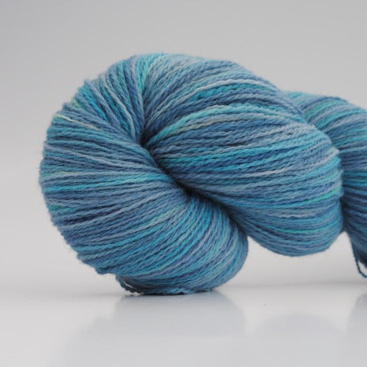 Svøm med mig, 2-ply wool, 450m/100gr from Aalerusen.blogspot.com.    Handdyed yarns by Julia Zahle