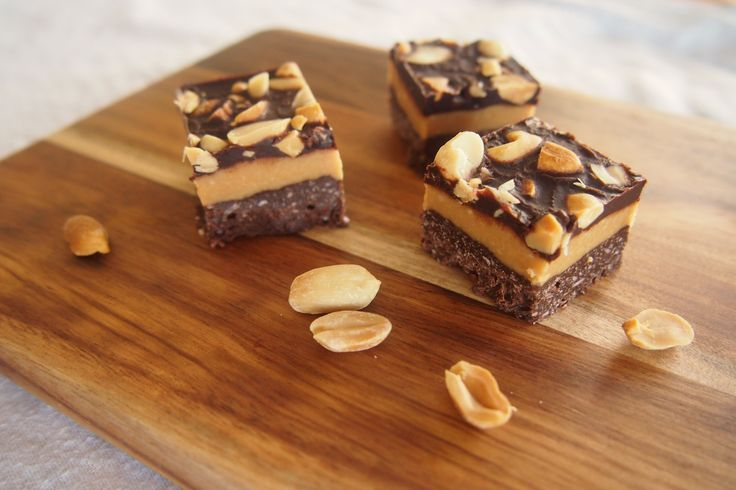 Triple Layer Chocolate Peanut Butter Slice (Gluten, Grain, Dairy, & Refined Sugar Free)   #justeatrealfood #hungrycub