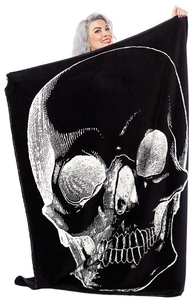 Sourpuss | Giant Skull Blanket