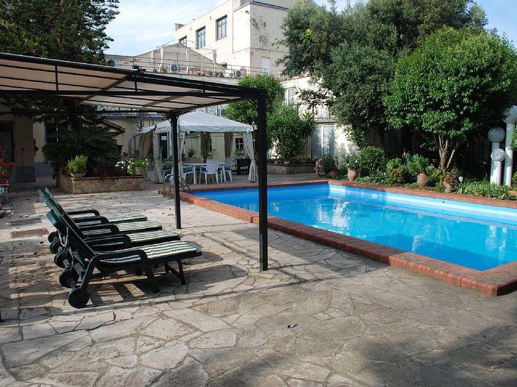 Abritel Location vacances chambre d'hôtes Barcelone: Calme et tranquillité au bord de la piscine