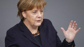 Η Μέρκελ εξέφρασε την ανησυχία της για την κατάσταση στο Κατάρ   Η Γερμανίδα καγκελάριος προσέθεσε ότι θα επιθυμούσε η ισορροπία των δυνάμεων να διατηρηθεί με σύνεση στην περιοχή καθώς και ότι η καταπολέμηση της τρομοκρατίας θα έπρεπε να είναι στην ατζέντα της Συνόδου G20 που θα γίνει στο Αμβούργο... from ΡΟΗ ΕΙΔΗΣΕΩΝ enikos.gr http://ift.tt/2t5cXeR ΡΟΗ ΕΙΔΗΣΕΩΝ enikos.gr
