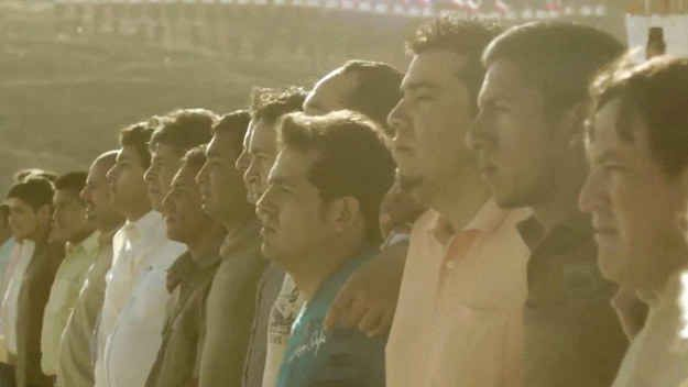 To kickstart Chile's World Cup effort, Banco de Chile released a commercial featuring the survivors from the Chilean mining tragedy .