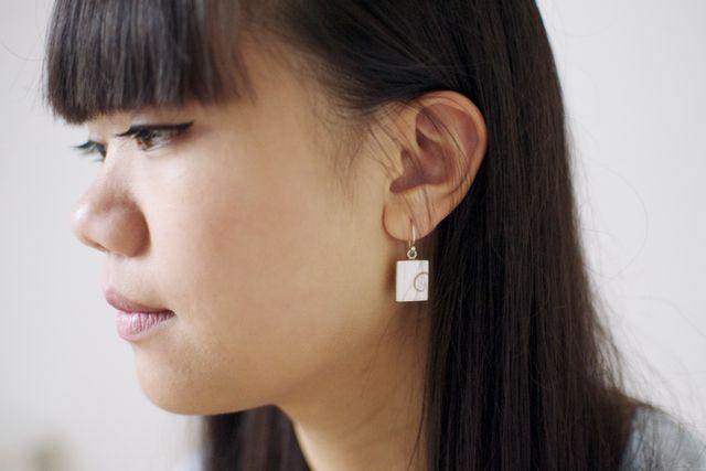 Jolies boucles d'oreilles fantaisie à la mode et fashion. Fashion earrings jewelry