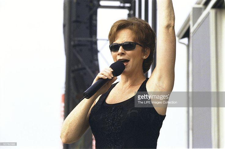 Singer Reba McEntire performing at Jamboree in the Hills.