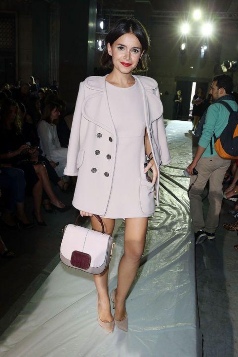 Princípio ritmo, repetição em padrão elaborado, nesse caso repeticao de botões --- Fashion Week Front-Row Regular Miroslava Duma Is Our Glamour Style Icon of the Week