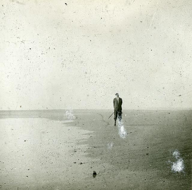 Noordoostpolder. Dr. Zuur in de pas drooggevallen polder. Bron: Fotocollectie Nieuw Land.