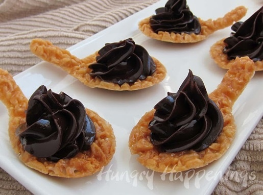 edible spoons, how to make nougatine spoons with chocolate ganache, dessert spoons: Desserts, Edible Spoons, Food, Recipes, Spoon Making, Nougatine Spoons