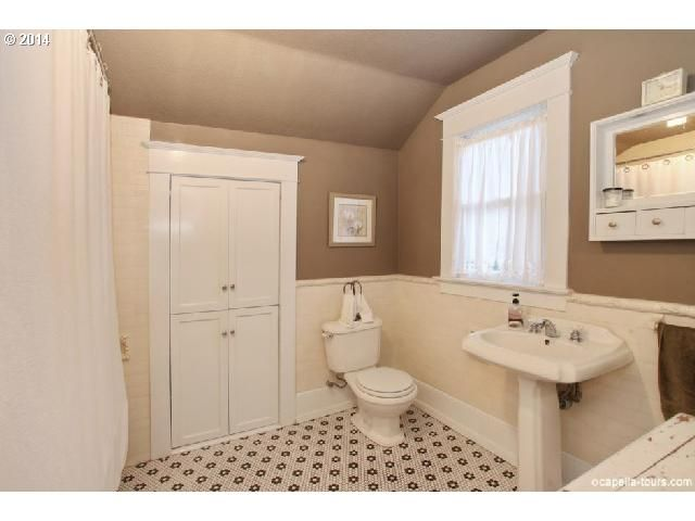bungalow bathroom with subway tile portland or