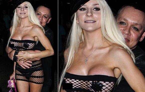 Courtney OOP Stodden Wardrobe Malfunction | Oops! Stoddens Dress Slips | us top99news