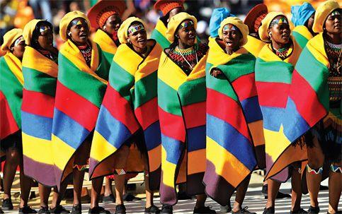 O povo africano brinca com as cores!