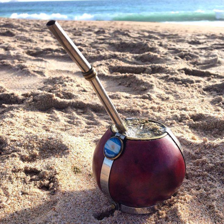 matecito en la playa (960×960)