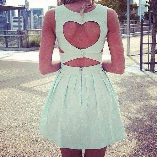 heart shaped backless dress || zazumi.com