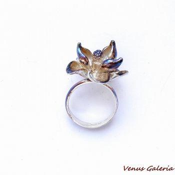 Brązowa magnolia medium - srebrny pierścionek - Sklep internetowy z biżuterią srebrną
