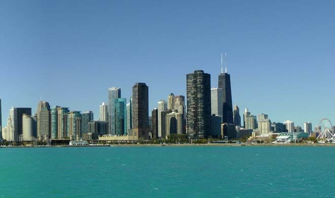 Our sightseeing bus tours of Chicago (Big Bus Chicago) take you on an extensive route, showcasing the best the city has to offer. From the great vantage point o... Get more information about the Big Bus Chicago on Hostelman.com #event #United #States #culture #travel #destinations #tips #packing #ideas #budget #trips