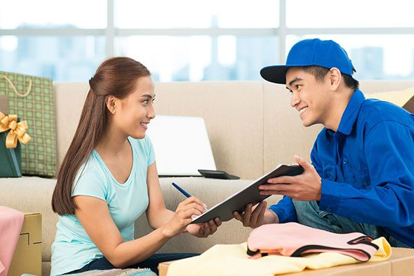Using a Courier Service Is Often the Best Choice #couriertips #couriers https://www.getvan.co.uk/ideas-tips/courier-tips/using-a-courier-service-is-often-the-best-choice/
