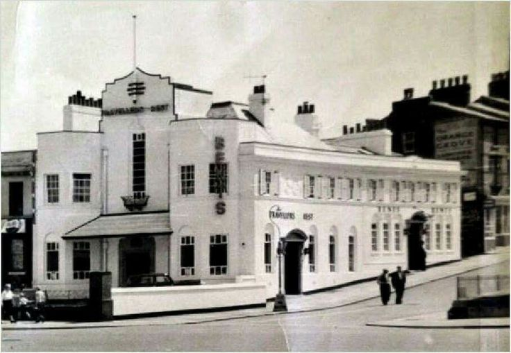 travellers rest. Rowson street