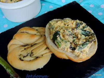 Moje Małe Czarowanie: Pasta z jajek, szparagów i botwinki
