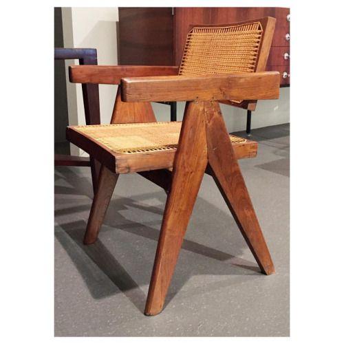 Musée les Arts Décoratifs :: Pierre Jeanneret  #lesartsdecoratifs @lesartsdecoratifs #pierrejeanneret #chair #design #teak #paris #1955  (at Les Arts Décoratifs)