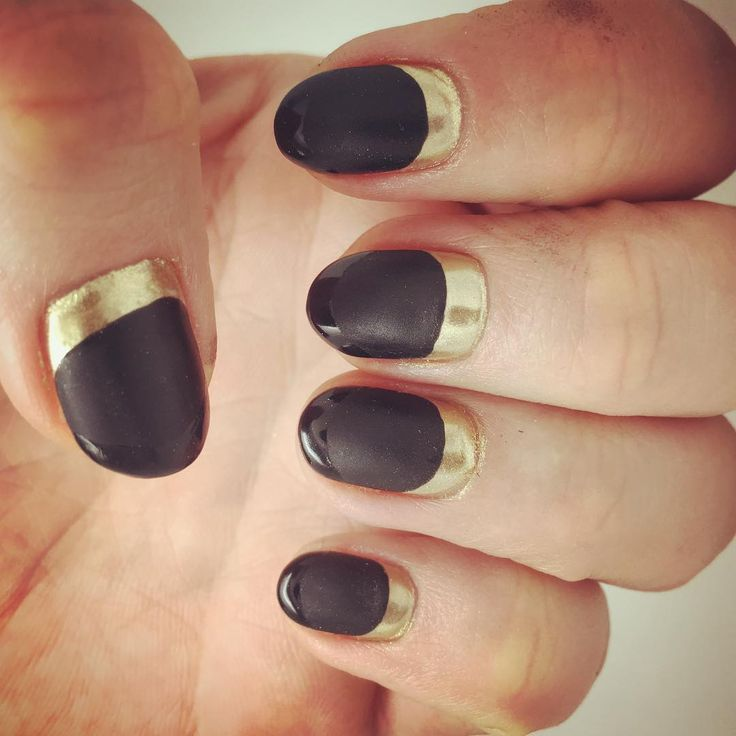 Need to find a place that can do this in Philly....traveling to NYC or LA to get my nails done might be a bit excessive... @marienails please open a #philadelphia branch  #manicure #calgel #nailart #mattecoat #rocknroll #melodysmani