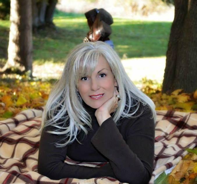 Cathye, beautiful silver hair!
