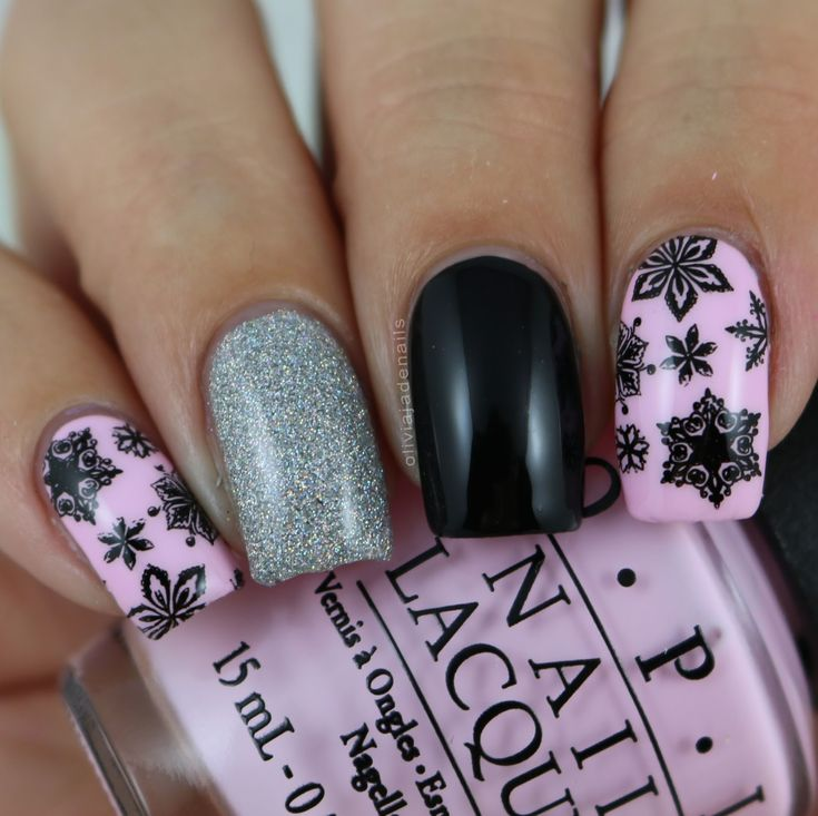 The Nail Challenge Collaborative Does Winter: Black Snowflakes by Olivia Jade Nails