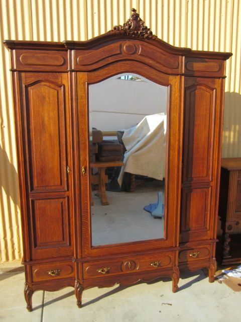 17 Best Images About Victorian Armoire Curio Cabinets On Pinterest Wardrobes Curved Glass