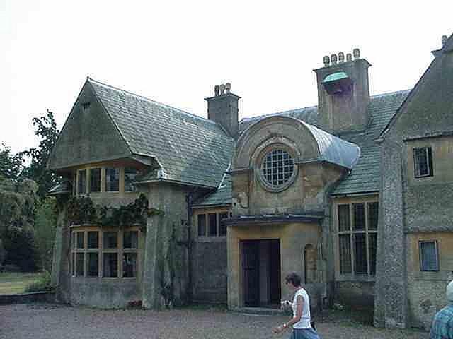 Charles Voysey. House at Shackleford. Surrey 1897. #architecture #voysey