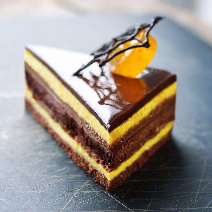 451 отметок «Нравится», 36 комментариев — Irina (@yellow_chimney) в Instagram: «Неклассическая классическая Опера. Горький шоколад, перец чили, манго. Акт 1. Для 2 этапа…»