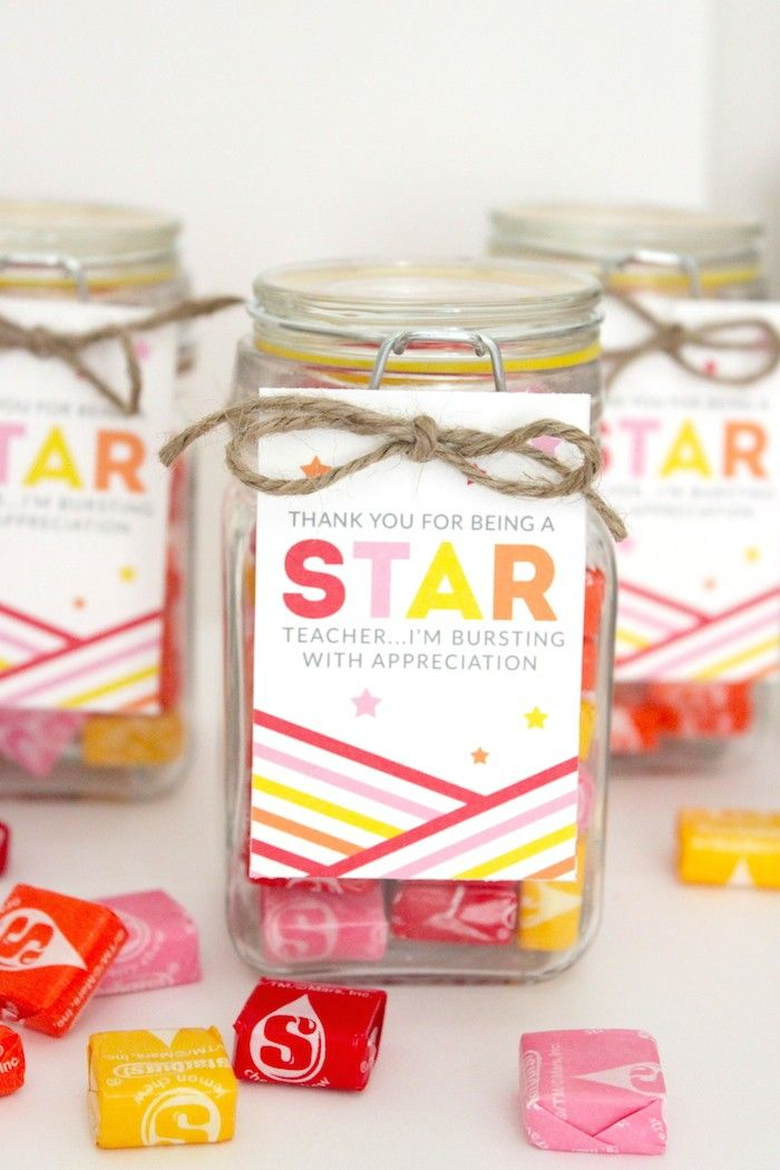 DIY Teacher Gift Candy Jars. Thank you for being a STAR teacher gift for back to school or teacher appreciation.