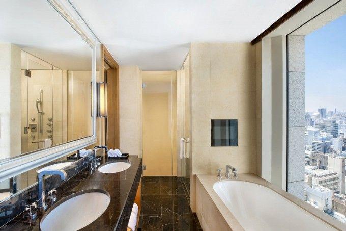 Bathroom The St. Regis Osaka - Japan & Luxury Travel Advisor – luxurytraveltojapan.com - #Luxuryhotels #Osaka #Japan #Japantravel #stregisosaka