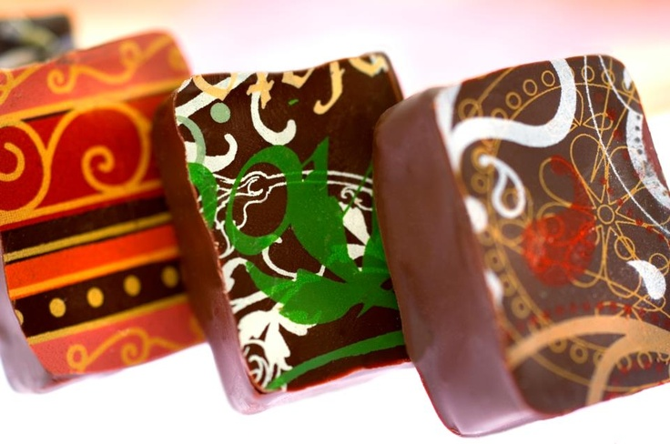 Earl Grey Tea, Fresh Leaves of Mint, and Orange Blossom... Some of our signature flavors!