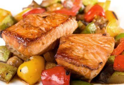 Recette Filets de saumon teriyaki - Coup de Pouce  http://www.coupdepouce.com/recettes-cuisine/plats-principaux/poisson/filets-de-saumon-teriyaki/r/3939