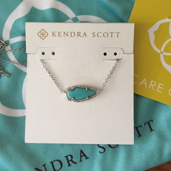 Kendra Scott Silver and Turquoise Skylie Necklace Excellent condition Skylie. Selling elsewhere for cheaper Kendra Scott Jewelry Necklaces