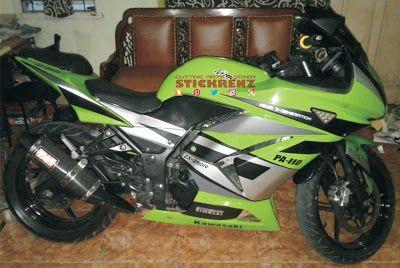Kawasaki Ninja 250R Green - Custom Stripe Sticker