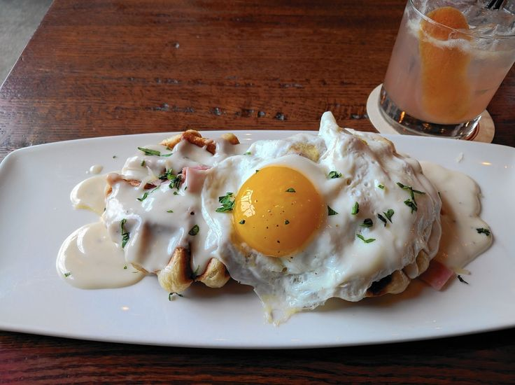 Eat This: Croque madame waffles a satisfying twist on the classic sandwich - Chicago Tribune
